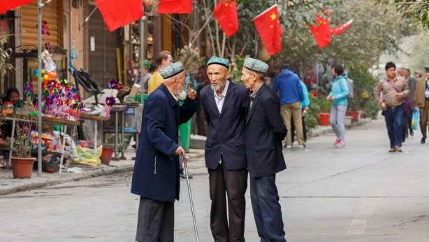 3-oeigoerse-oude-mannen